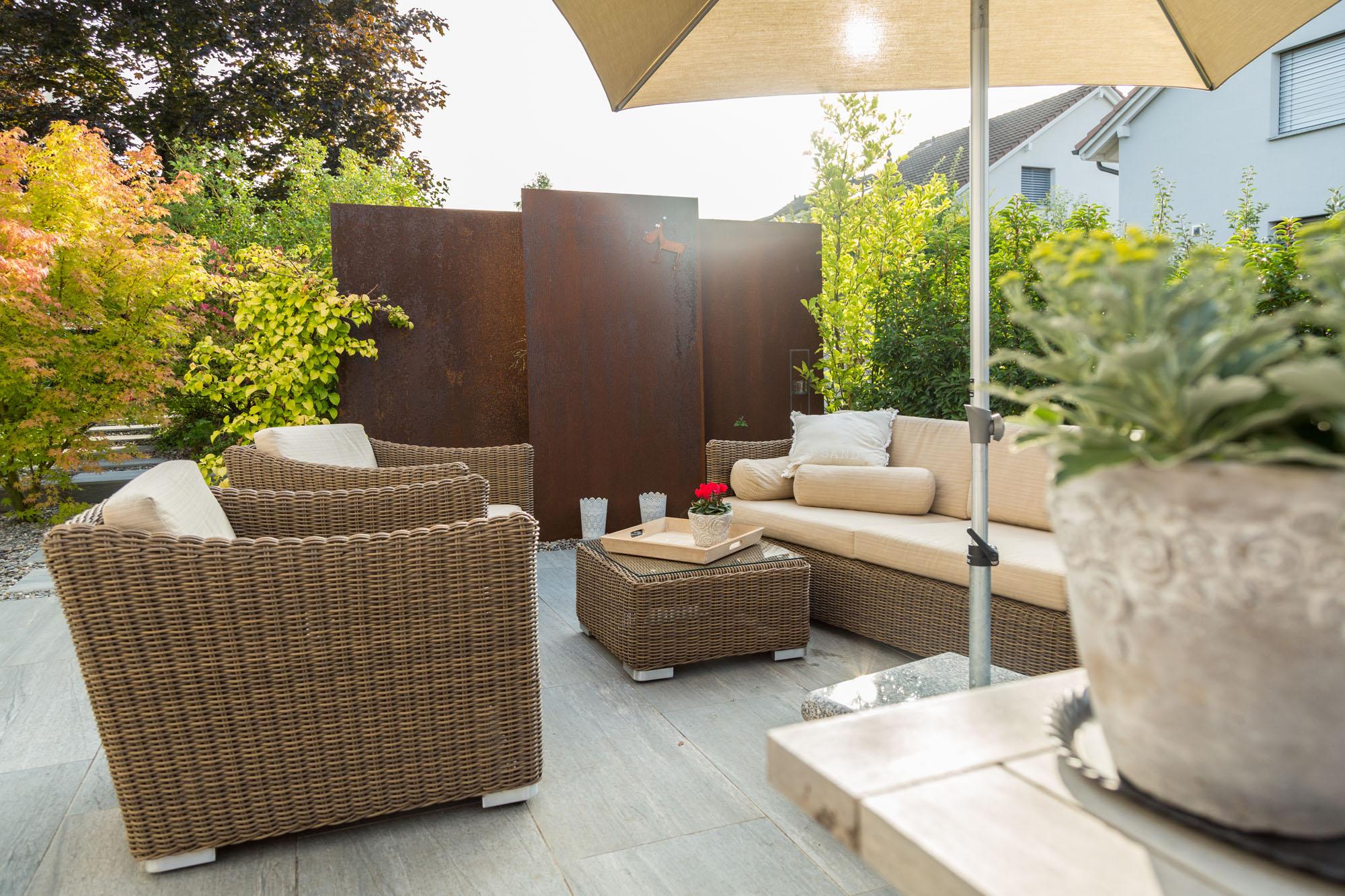 Mit durchdachter Planung der Terrasse erweitert Wohlfühlgarten Portmann Ihr Heim.